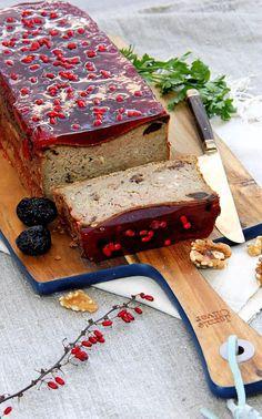 Super pasztet w galarecie | Szczypta SmaQ Cooking Recipes, Meat, Ethnic Recipes, Desserts, Food, Kitchen, Tailgate Desserts, Deserts, Cooking