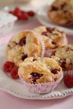 Malinové mafiny z acidofilného mlieka Ui Patterns, Mobile App Design, Pattern Design, Cupcakes, Breakfast, Food, Morning Coffee, Cupcake Cakes, Essen