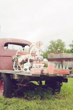 A truck as a food display + what a wedding planner can do you for you!