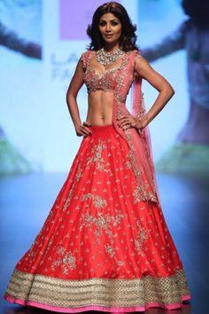 Choli Dress, Lehenga Choli, Shilpa Shetty Saree, Bridal Lehenga, Saree Wedding, Wedding Bride, Actress Priyanka, Bridal Collection, Designer Collection