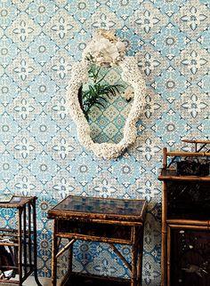 fashionesque wallpaper