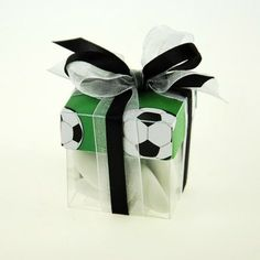 Favor box cube Soccer (x10) for birthday party. www.festive-occasion.com
