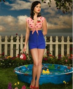 Oh Katy Perry you pop music just gets stuck in my head like a candy apple on my teeth