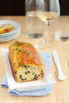 Cake al gorgonzola olive e timo limone