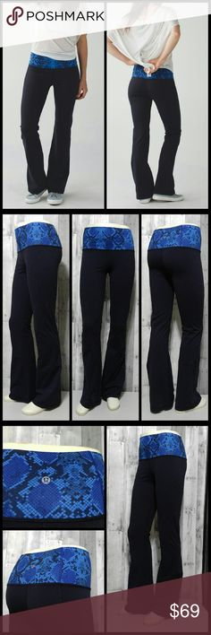 d82d520c402795 Lululemon Groove Pant Blue Mini Ziggy Snake Fabulous gently pre owned  Lululemon Groove pants in naval