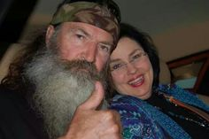 Great picture of Duck Dynastys Phil & Miss Kay