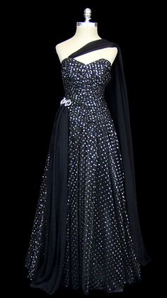 Metallic black tulle gown (TheFrock.com)