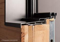 Profilé en aluminium pour ossature bois Larch Cladding, House Cladding, Window Design, Door Design, House Design, Architecture Details, Interior Architecture, Window Detail, Timber Buildings