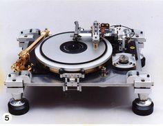 Teragaki turntable #recordplayer #turntable #music #audio http://www.pinterest.com/TheHitman14/the-record-player-%2B/