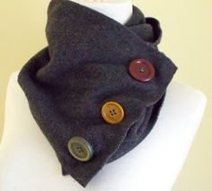 One piece of fleece plus three oversized buttons makes a cute (& easy) cowl neck scarf!