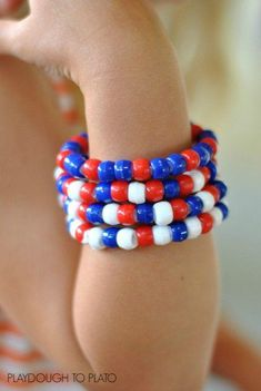 labor day crafts for kids Easy crafts for kids : Fourth of July Bracelets 4th July Crafts, Patriotic Crafts, Fourth Of July Crafts For Kids, Fouth Of July Crafts, 4th Of July Games, Easy Crafts For Kids, Summer Crafts, Summer Fun, Summer School