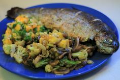 דג בתנור עם סלסת מנגו זריזה – פוסט אורח מאת גירי ברנשטיין | בלוג דל פחמימות