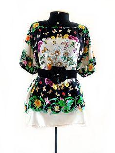 blusa modelo caftan tamanho M ou G em seda estampa borboletas, prá ir na festa, tem aqui.