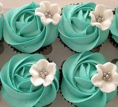 Breakfast at Tiffany's cupcakes in Tiffany blue Cupcakes Lindos, Cupcakes Flores, Flower Cupcakes, Wedding Cupcakes, Cupcake Wedding, Cupcake Fimo, Cupcake Frosting, Cupcake Cookies, Buttercream Frosting