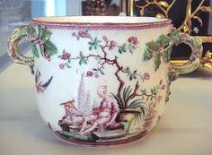 Vincennes soft porcelain seau, 1749-1753.