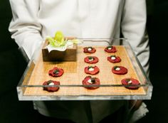 #inanyeventny #olivierchengcatering Caviar on beet chips