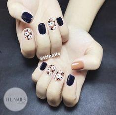 Pin by Desiree on Nails ✨ in 2019 Stylish Nails, Trendy Nails, Fingernails Painted, Classic Nails, How To Grow Nails, Toe Nail Designs, Flower Nails, Nail Arts, Swag Nails