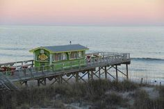 Carolina Beach Nc Ocean Grill And Tiki Bar At Golden Sands Motel