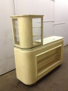 1000 images about decorating ideas on pinterest kids stickers doggie beds and old suitcases - Deco oude keuken ...
