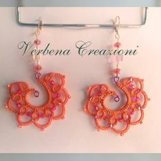 Tatting over a wire form - great idea.