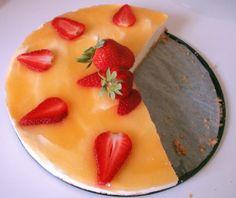 Aurinkoinen mansikka- juustokakku
