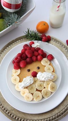 Make some Santa Claus Pancakes for your Christmas Morning Breakfast. A fun and festive breakfast idea for the whole family. Make some Santa Claus Pancakes for your Christmas Morning Breakfast. A fun and festive breakfast idea for the whole family. Christmas Morning Breakfast, Christmas Brunch, Breakfast For Kids, Christmas Desserts, Christmas Treats, Christmas Baking, Christmas Pancakes, Family Christmas, Breakfast Ideas