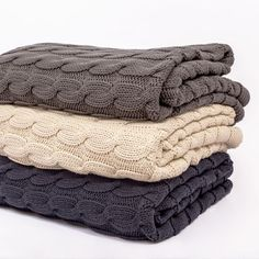 Gray Large Cable Knit Throw | Great site for designer bedding | www.craneandcanopy.com