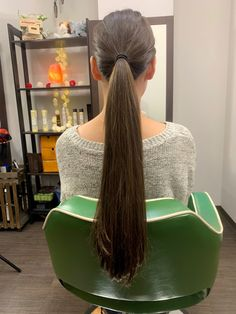 Long Hair Ponytail, Ponytail Hairstyles, Long Hair Cuts, Long Hair Styles, Roll Hairstyle, Long Hair Video, Playing With Hair, Hair Laid, Super Long Hair