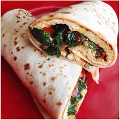 Nutritionists Reveal What to Eat For Breakfast to Lose Weight. This wrap looks amaze-balls! (to lose weight) Healthy Weight, Healthy Life, Healthy Snacks, Healthy Living, Healthy Recipes, Healthy Breakfasts, Breakfast Desayunos, Breakfast Recipes, Breakfast Tortilla