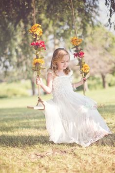 Toddler Girl Pictures, Little Girl Photos, Baby Girl Photos, Swing Photography, Little Girl Photography, Swing Pictures, Fairy Photoshoot, Baby Halloween Outfits, Princess Pictures