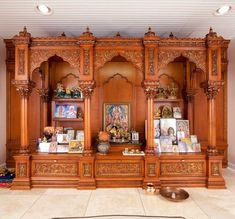 Take a cue from these wooden pooja mandir designs and buy one for your home. You can even pick a nice pooja mandir from here and place an online order. Indian Interior Design, Interior Design Videos, Home Interior, Interior Designing, Interior Ideas, Wooden Door Design, Wooden Decor, Chennai, Temple Design For Home