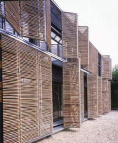karawitz-architecture-bamboo + https://www.pinterest.com/pin/560698222348608697/  + BAMBU matéria prima na obra-sinônimo de sustentabilidade 2012 ·   O Bambu é um material muito versátil utilizado como matéria prima em construções, objetos e para fins decorativos