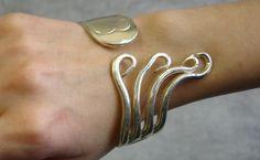 Bijoux: Bracelet - fourchette en métal argenté ou doré - http://dorure.canalblog.com/