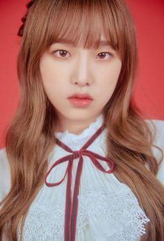 (Credits to the real owner/s) Kpop Girl Groups, Kpop Girls, Yu Jin, Baby Ducks, Fandom, Japanese Names, Japanese Girl Group, Pop Idol, Kim Min