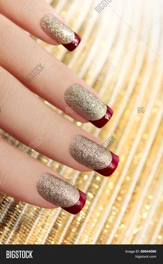 Nail Art Doré, Nail Polish Art, Red Polish, Nail Arts, Golden Nail Art, Golden Nails, Silver Nails, Red Nails, Sparkly Nails