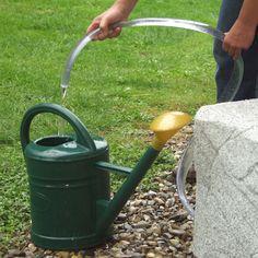 Entnahme-Set mit Schlauch für die einfache und bequeme Art Wasser aus der Regentonne zu zapfen. #regentonne #zubehör #regentonnenshop www.regentonnenshop.de
