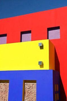 architect: Ricardo Legorreta, San Salvador, El Salvador