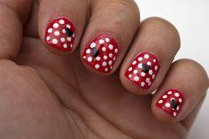 http://www.cosmeticsaficionado.com Minnie Mouse Manicure