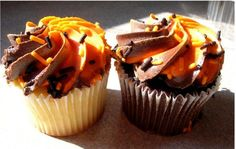 Google Image Result for http://www.cakepicturegallery.com/d/15575-2/Pretty%2Bpicture%2Bof%2BHalloween%2BCupcakes.JPG