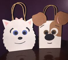 """Set of 15 Pets Goodie Bags - 5 of each dog Each bag measures: 4.5 x 2 x 5.75 PLEASE include the date of your event in the """"note to seller"""" section during checkout or in a separate message. Thanks! -----------♥----------- Every item is made-to-order. Please allow 1-3 business days for"""