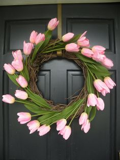 Cute and love the pink tulips with the door color~