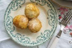 Erdbeerknödel • Die Erdbeere Muffin, Breakfast, Food, Strawberries, Kochen, Food Food, Simple, Breakfast Cafe, Muffins