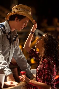 Willard (Miles Tenner) & Rusty (Ziah Colon) in Footloose Footloose Movie 2011, Footloose Remake, Footloose Musical, Miles Teller Footloose, Movie Couples, Cute Couples, Old Movies, Great Movies, Popsugar