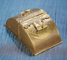 """ENGLISH BRASS """"UNIVERSAL NEEDLE CASE"""" BY W. AVERY AND SON с1875"""