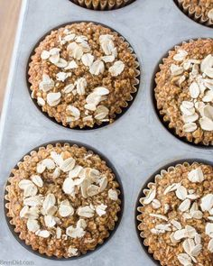 Healthy Oatmeal Muffins (No Flour, Sugar Free, Oil Free) Healthy oatmeal muffins are a convenient and nutritious breakfast the whole family will love. These delicious gluten-free muffins are made w Healthy Snacks For Weightloss, Healthy Muffin Recipes, Healthy Muffins, Gourmet Recipes, Gluten Free Recipes, Healthy Food, Recipes Dinner, Easy Recipes, Vegan Recipes