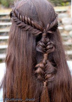 #fishtailplait #knots #hairup #halfuphalfdown #brunette