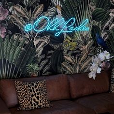 "Custom neon sign ""Ohh lashes"" Parrot Wallpaper, Tropical Wallpaper, Star Wallpaper, Paper Wallpaper, Wallpaper Samples, Remove Wallpaper, Custom Neon Signs, Led Neon Signs, Neon Sign Bedroom"
