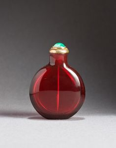 Ruby red glass chinese snuff-bottle , attributed to the imperial Palace workshops, 1720-1780