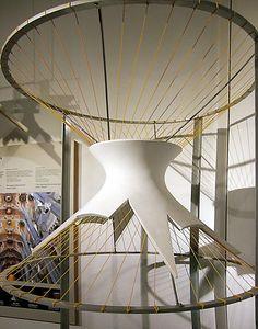 Antonio Gaudí - jednodílný rotační hyperboloid, foto © David Seidler