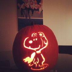 Snoopy pumpkin - flying ace! Peanuts gang